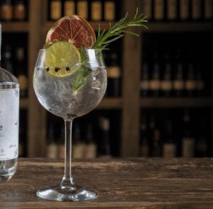 cocktail in bottiglia a bologna drink consegna a domicilio gin tonic